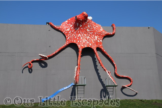 octopus slide atlanterhavsparken alesund