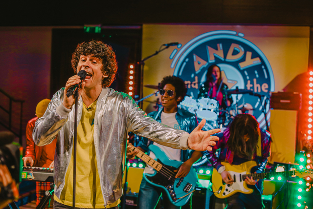 andy day singing andy and the band royal institution