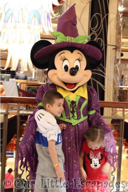ethan little e minnie mouse meeting halloween minnie mouse disney dream