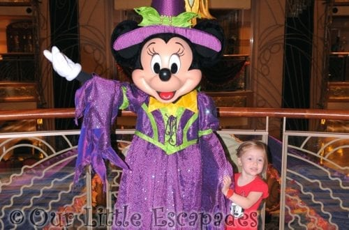 little e meeting halloween minnie mouse disney dream