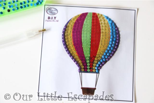 creating hot air balloon crystal art motifs